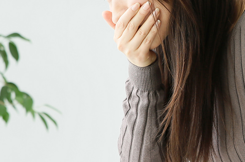 胃酸などの胃の内容物が食道に逆流する病気です